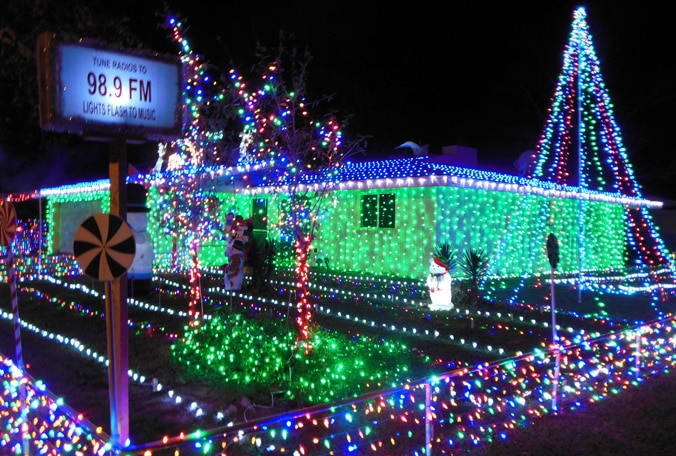 stupendous best christmas lights in tampa easy diy christmas. Black Bedroom Furniture Sets. Home Design Ideas