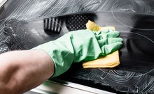 clean a glass cooktop