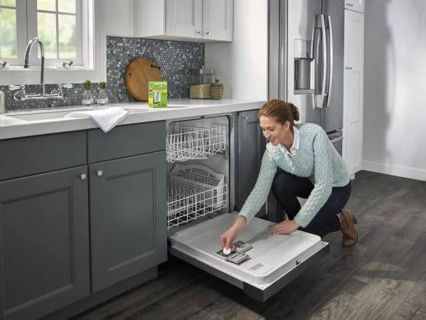 hard water stains on dishes from dishwasher